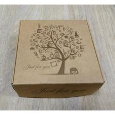 Коробка картонная с рисунком Дерево 9,5 х 9,5 см