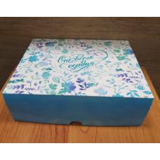 Коробка картонная с принтом От Всего сердца 20х17 см