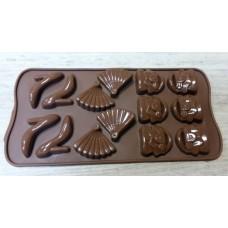 """Силиконовая форма для шоколада """"Модница"""""""